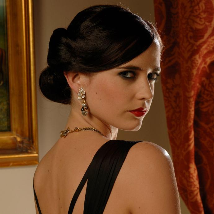 Bond girls que marcaram época na franquia 007 (5)