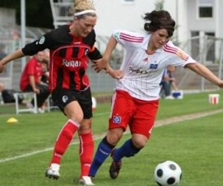 femei care joaca fotbal