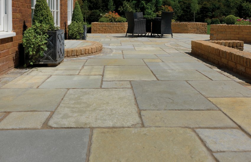 Garden  Pavestone  Natural Paving Stone for gardens and driveways