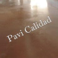 Pavimento de hormigón pulido como arte creativo para su casa