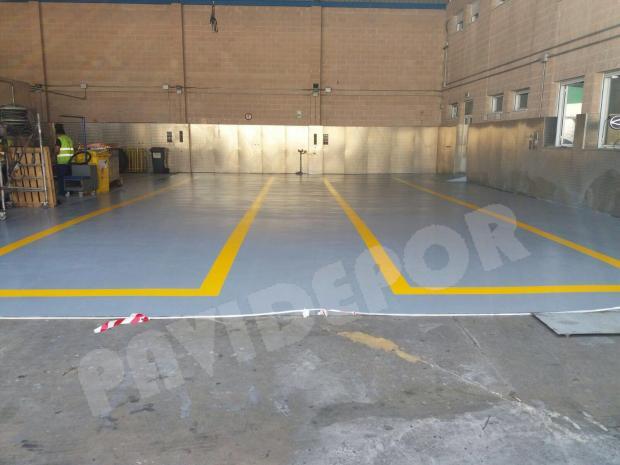 suelo taller mecánico
