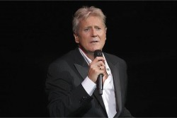 Joe Longthorne MBE in Concert at the Pavilion Theatre, Glasgow