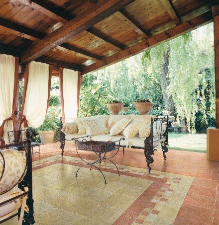 Angelo Focaroli  Rieti Borbona  Pavimenti in ceramica