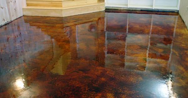 Come posare un pavimento in cemento con impasto autolivellante Come fare per colorare il cemento