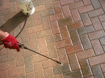 How to apply block paving sealer to paving blocks with a sprayer