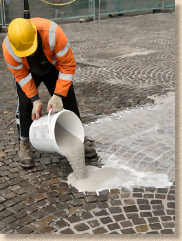 Pavingexpert  Jointing and Pointing for Stone Paving  Resin Slurry Jointing Grouts