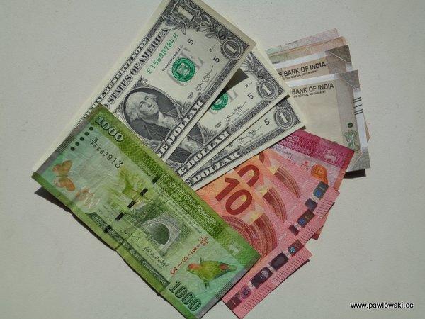 Bezpieczeństwo wpodróży; finanse - czyli gotówka czykarta kredytowa 4