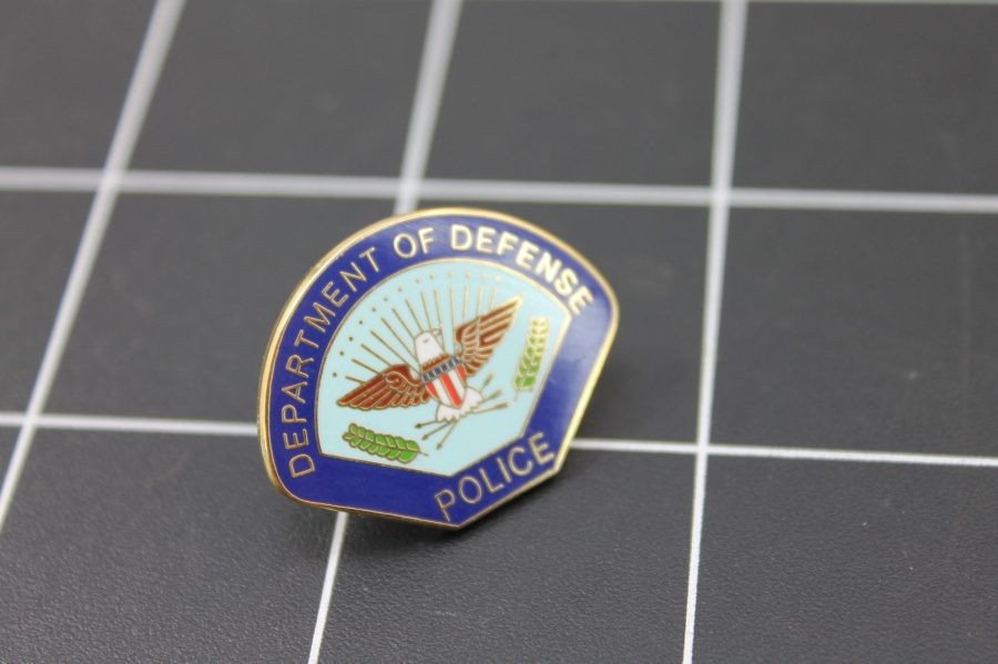 """DEPARTMENT OF DEFENSE""  Enamel Lapel Pin BRAND NEW POLICE 2"