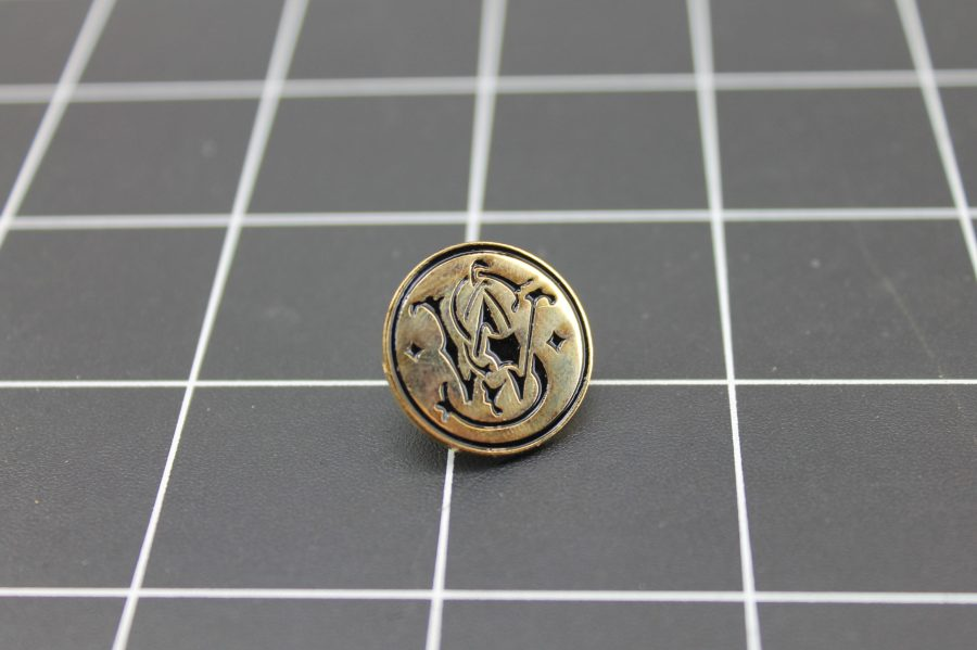 Brand New Lapel Pin SMITH & WESSON LIFETIME GUARANTEE ENAMELED GOLD TONE BLACK ENAMEL 1