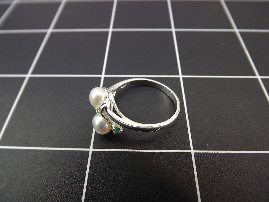 NEW STERLING SILVER 925 EMERALD & PEARL COCKTAIL RING 2.5 GRAMS SIZE 7 4