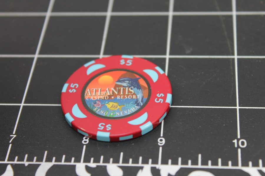 Casino ATLANTIS $5 CHIP TOKEN LAKE TAHOE RENO NV RED COLOR NO DATE HOT AUGUST NIGHTS 3