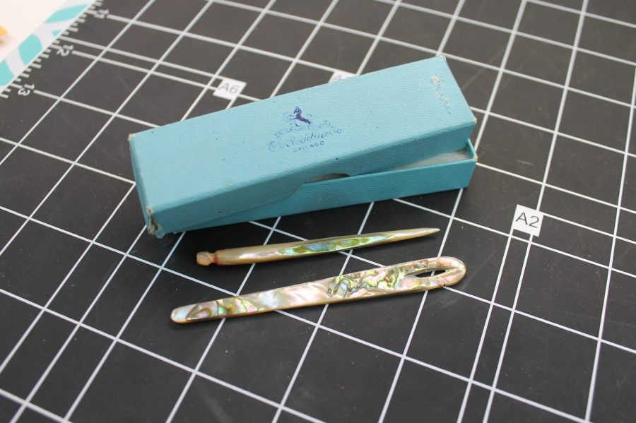 VINTAGE ANTIQUE MOTHER OF PEARL HAIR PINS IN BOX 1