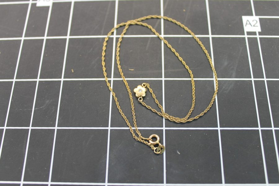 14KT YELLOW GOLD FLOWER PENDANT W/ DIAMOND ON TWISTED ROPE CHAIN 2.2GRAMS 1