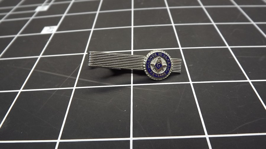 ANTIQUE VINTAGE SILVER TONE MASONIC SHRINERS WASHOE #35 25 YEARS TIE CLIP 1