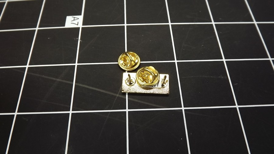 BRAND NEW GOLD TONE RIBBON COMBAT ACTION MEDAL LAPEL / HAT PIN 2
