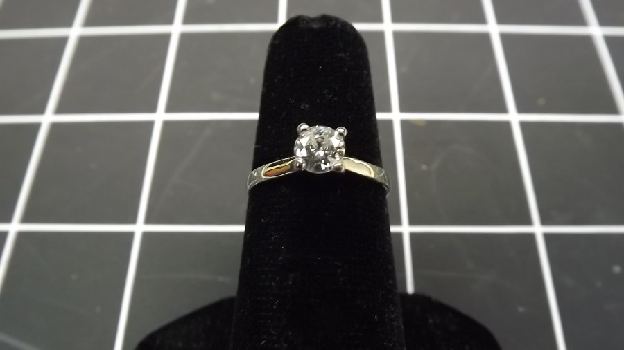 14KT WHITE GOLD .35 CARAT TOTAL WEIGHT ROUND BRILLIANT SOLITAIRE ENGAGEMENT RING SIZE 4 3/4 4