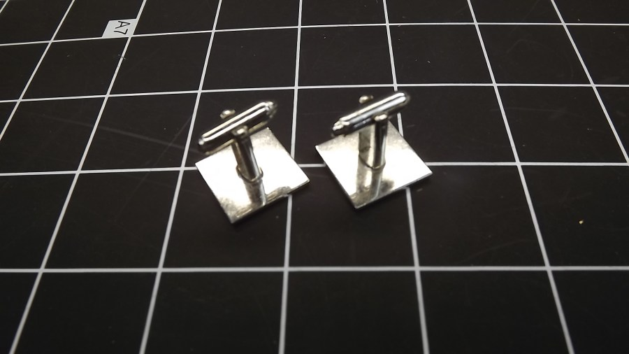 VINTAGE SILVER TONE PATTERNED SQUARE CUFF LINKS 2