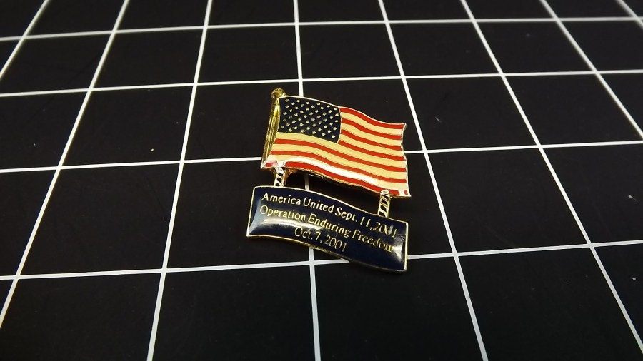VINTAGE LOT OF 2 AMERICAN FLAG ENAMEL LAPEL PINS OPERATION ENDURING FREEDOM 1