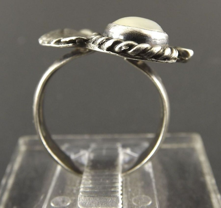 Vintage Sterling Silver Native Indian Mother Of Pearl Moonstone Ring Tribal 5