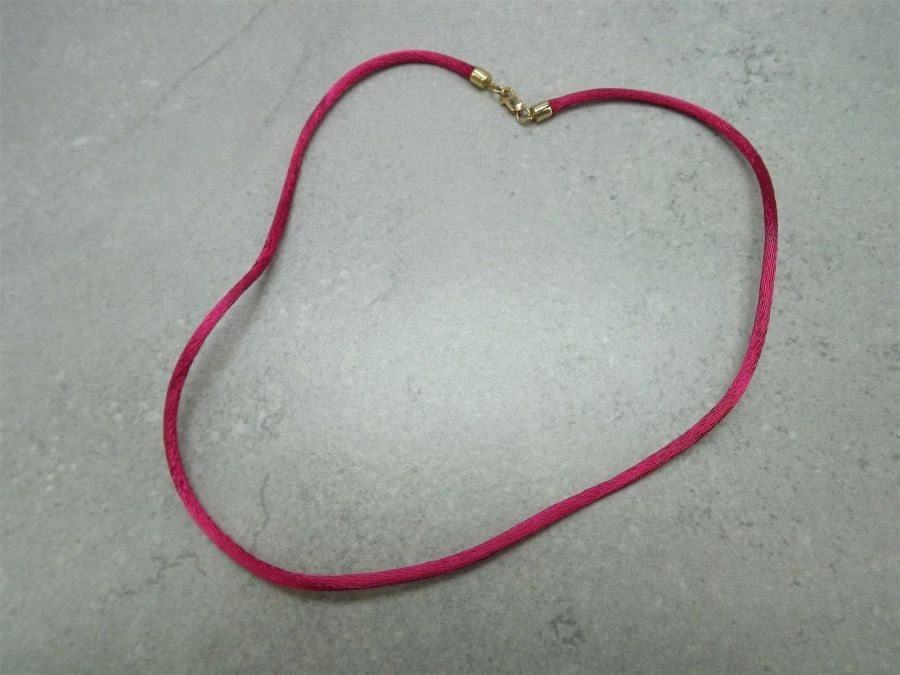 Vintage 14k Yellow Gold Fuchsia Silk Necklace 585 Solid 2 Grams 15-inch 1
