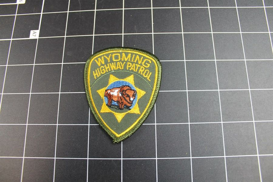"""""""WYOMING"""" HIGHWAY PATROL POLICE PATCH BRAND NEW 3"""