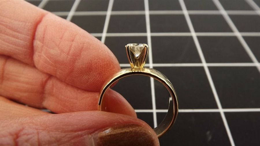 14KT Y/G Round Brilliant Diamond Solitaire Ring Hammered Finish Finger size 5.5 4