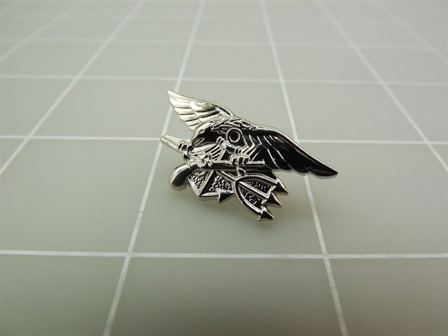 """BRAND NEW Silver Tone United States NAVY SEALS Lapel Pin 1 2/8"""" 1"""