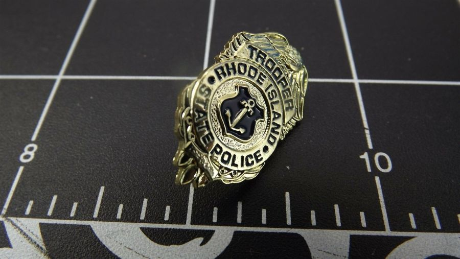 """RHODE ISLAND STATE POLICE"" MINI-BADGE Enamel Lapel Pin BRAND NEW 1"