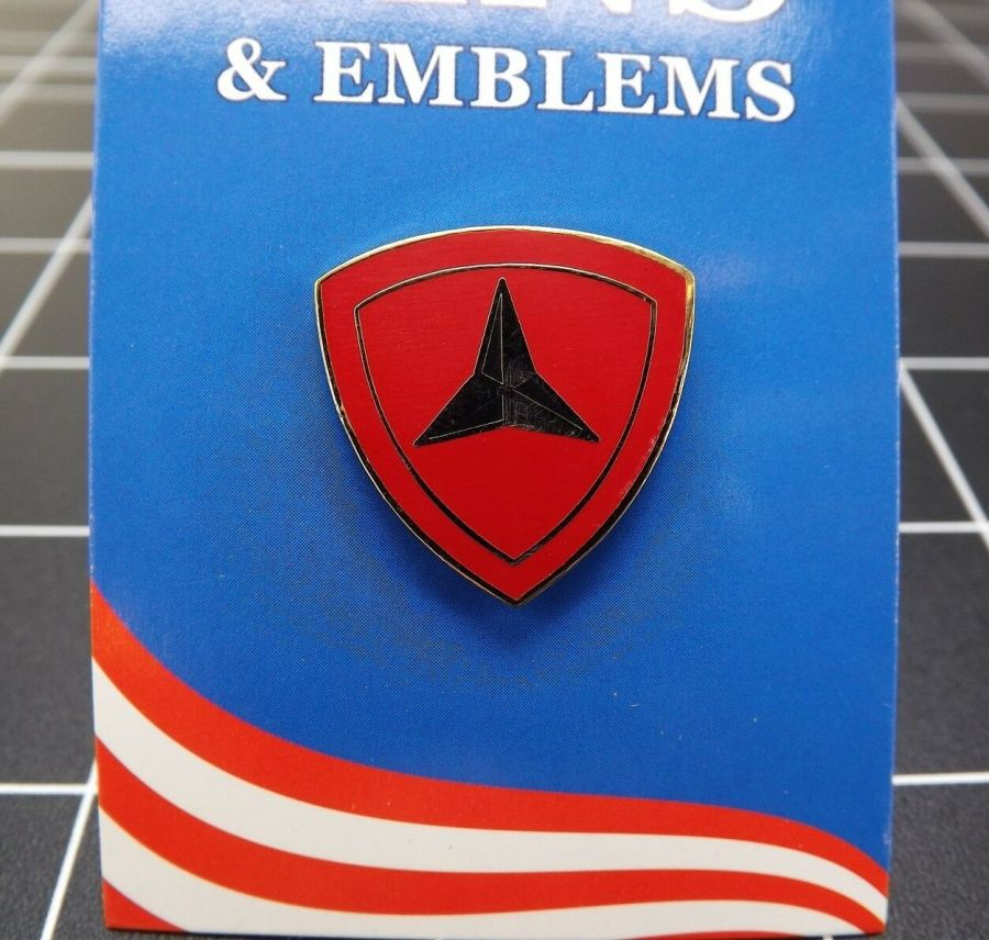 """BRAND NEW Lapel Pin United States Marine Corps 003RD Division 7/8"""" 1"""
