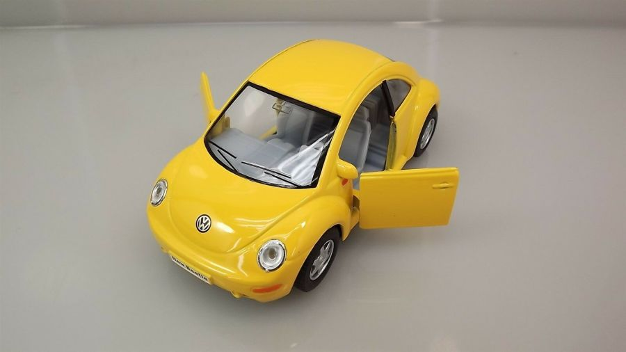 "Collectible Die Cast YELLOW Volkswagen ""NEW BEETLE"" VW 1:32 Scale 6"