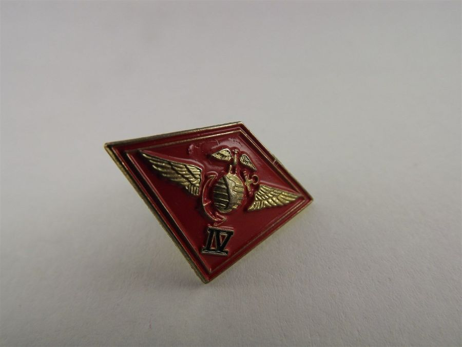 US MARINES 4TH MARINE CORPS WINGS LAPEL / HAT PIN BRAND NEW 1