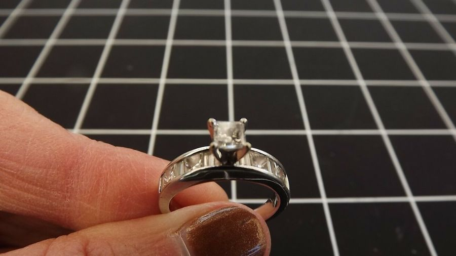14KT W/G Princess Cut & Baguette Channel Set Diamond Ring 4.1 Gr Size 6 3