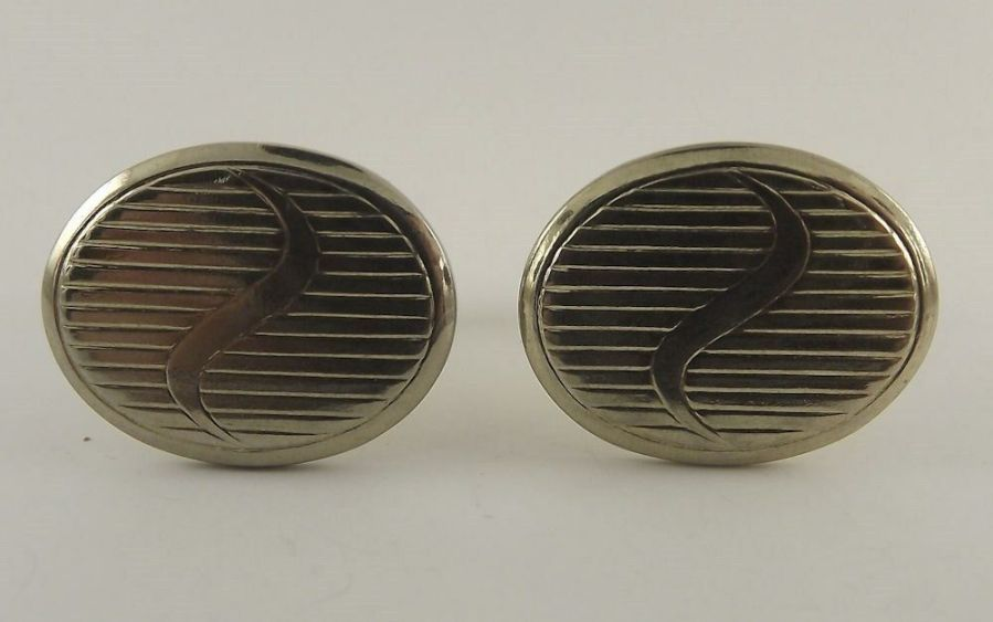 Vintage Gold Tone Oval Engraved Pattern ID Mens Cuff Links 1