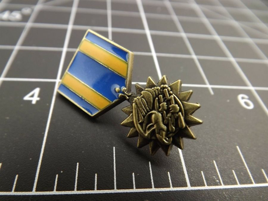 "BRAND NEW Lapel Pin United States Air Medal Blue & Yellow Enamel 1 3/16"" 1"