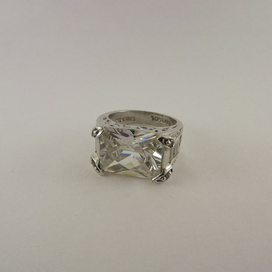 Vintage Sterling Silver Brilliant Stone Ring .925 Solid 8.2 Grams Size 5-1/4 1