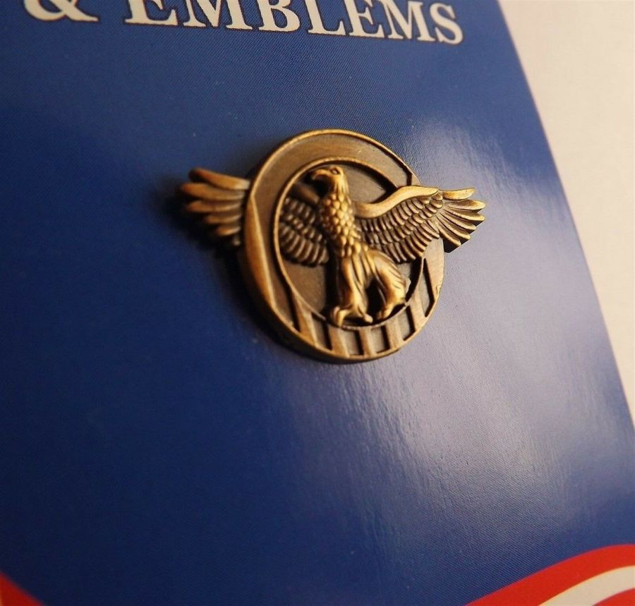 """BRAND NEW Lapel Pin WWII Ruptured Duck Honorable Discharge 7/8"""" 1"""