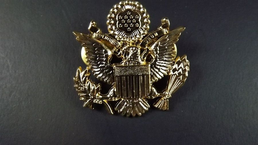 "Lapel pin NEW Badge US Army Officer Gold Plated 1-3/4"" GREAT DETAIL 1"