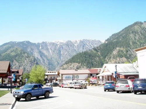 snow capped mountains in downtown Leavenworth