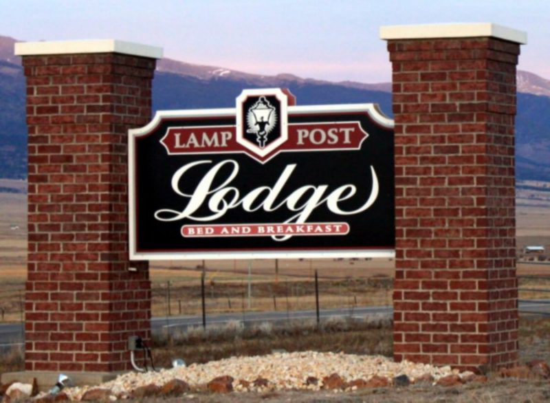 lamp-post-lodge