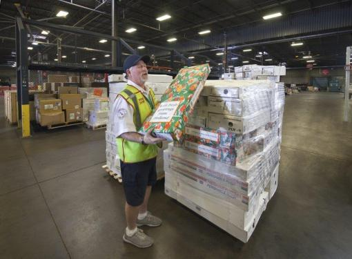 American Airlines cargo team busy this Valentine's Day season