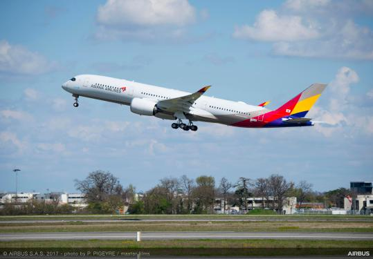 Asiana Airlines takes delivery of its first A350 XWB