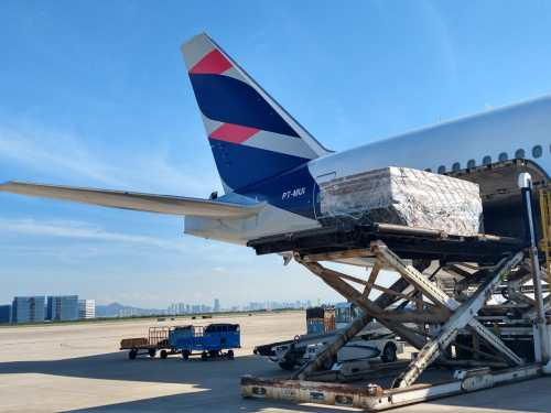 LATAM registers the largest mask shipment carried on a single flight
