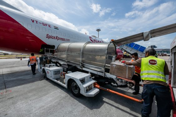 Changi welcomes SpiceJet's scheduled cargo service