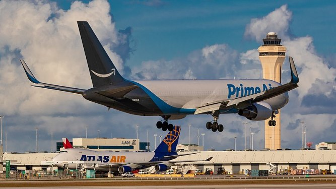 Amazon takes stake in aircraft lessor ATSG for US$131m