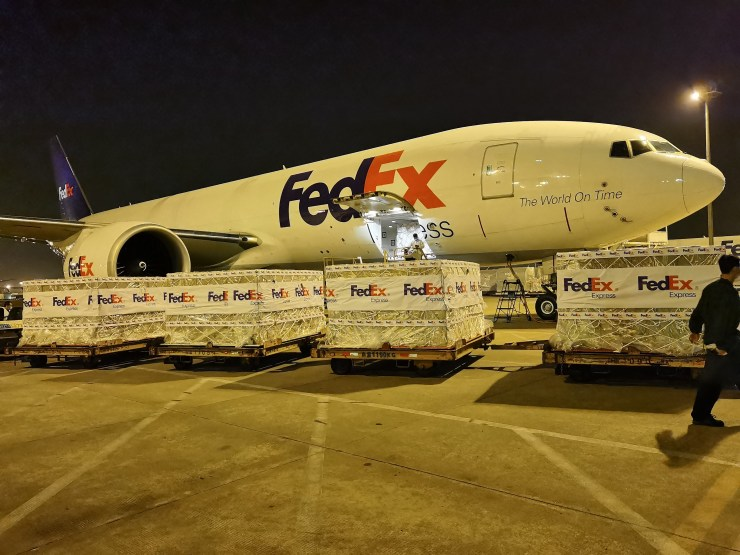 FedEx delivers oxygen concentrators to India