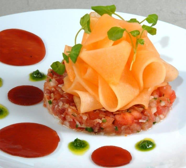 Tartare de jambon la tomate et au melon for Entree froide chic