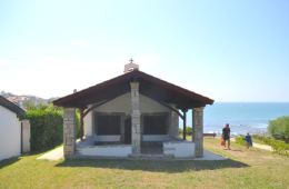 Sentier_du_litoral_chapelle_a-guetary-pays-basque