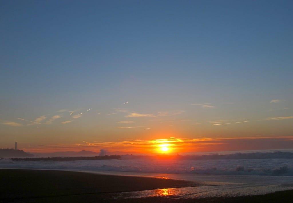 coucher de soleil océan pays basque