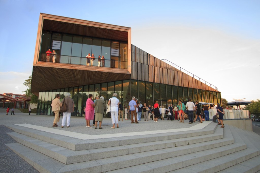 Théâtre Quintaou _ Entrée public spectacle 12/09/14