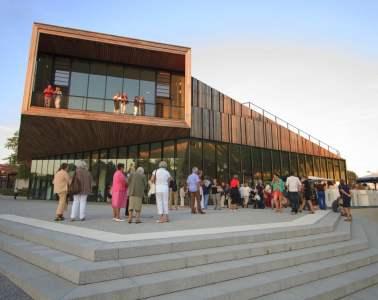 Theatre-Quintaou-Entree-public-spectacle-pays-basque